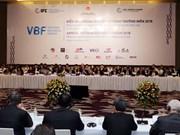 Inauguran Foro Empresarial de Vietnam en capital Hanoi