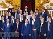 Premier de Vietnam aplaude propuestas de inversores extranjeros en el turismo
