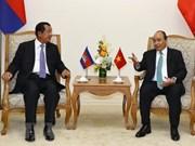 Premieres de Vietnam y Camboya reiteran compromisos de profundizar nexos
