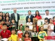 Entregan en Hanoi premios del concurso de dibujo infantil sobre protección ambiental