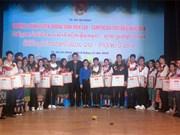 Honran a estudiantes laosianos y camboyanos destacados en Ciudad Ho Chi Minh
