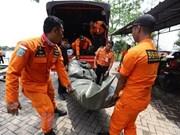 Lion Air reanuda labores de búsqueda de víctimas de avión accidentado
