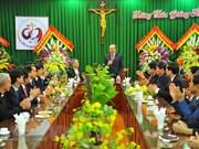 Dirigentes vietnamitas continúan felicitando a comunidad católica por Navidad