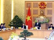 Premier vietnamita mantiene reunión de trabajo con asesores económicos