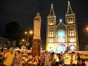 Atmósfera de alegría predomina Ciudad Ho Chi Minh en Navidad