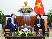 Vicepremier vietnamita recibe al secretario de Estado en Cancillería de Reino Unido