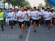 Nueve mil personas de 50 países y territorios corren en maratón en Ciudad Ho Chi Minh