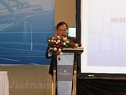 Intercambian en Vietnam experiencias sobre gestión de recursos para desarrollo infraestructural
