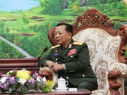 Vietnam y Laos deben consolidar aún más relaciones militares, afirma ministro laosiano