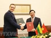 Firman Vietnam y Lituania acuerdo de exención del visado para diplomáticos
