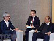 Recibe primer ministro vietnamita a ejecutivos de grupos multinacionales en Davos
