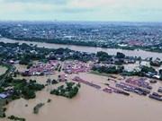 Crece el número de víctimas por inundaciones y deslizamientos de tierra en Indonesia