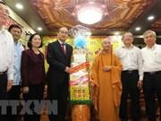 Dirigente de Ciudad Ho Chi Minh felicita a dignatarios religiosos por Tet