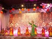 Celebran Año Nuevo Lunar comunidades vietnamitas en Canadá y República Checa