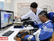 Médico japonés acompaña a los pacientes vietnamitas