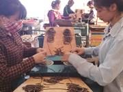 Nhang Thien, incienso con una fragancia natural hecho en Vietnam