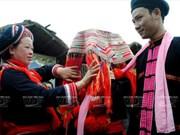 Ceremonia de boda de la etnia Dao rojo en Vietnam