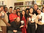Difunden poemas y música de Vietnam en la radio de Estados Unidos