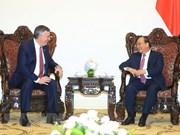 Premier vietnamita recibe a ejecutivos de Boeing y HSBC