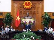 Premier vietnamita se reúne con personas con méritos revolucionarios de ciudad central de Da Nang