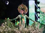 """Festival de """"Ao dai"""" promueve el traje tradicional de la mujer vietnamita"""