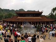 Festejo de Pagoda Huong de Vietnam atrae a más de un millón de visitantes