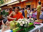 Felicita primer ministro vietnamita a la comunidad khmer por fiesta de año nuevo