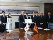 Universidad Nacional surcoreana de Incheon otorgará becas a estudiantes vietnamitas