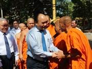 Premier vietnamita destaca aporte de la comunidad Khmer a los logros del país