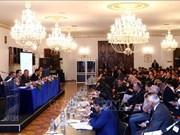 Premier vietnamita exhorta fomentar los lazos económicos con Rumania