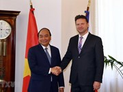 Premier vietnamita pide apoyo para acelerar firma de TLC entre Unión Europea y su país