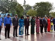 Autoridades de Hanoi rinden homenaje a Lenin