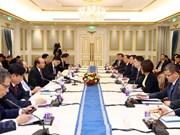 Premier vietnamita llama a inversiones de empresas chinas en infraestructura