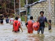 Reportan 10 muertos y ocho desaparecidos por inundaciones en Indonesia