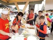 Acercan cultura vietnamita a amigos checos