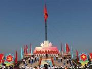 Celebran en provincia vietnamita ceremonia de izamiento de bandera por Día de Reunificación Nacional