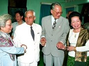 Embajada de Vietnam en Laos abre libro de condolencias por el deceso del expresidente Le Duc Anh