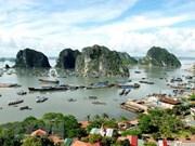 Abren en Vietnam servicio para contemplar la bahía de Ha Long desde helicópteros