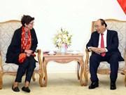 Premier vietnamita recibe a embajadora de Noruega