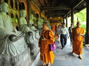 Delegados al Día de Vesak en Vietnam visitan provincia de Ninh Binh