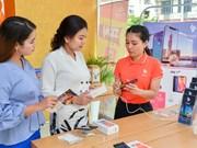 Presentan teléfonos inteligentes vietnamitas Vsmart en Myanmar
