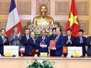 Cooperan Vietnam y Francia en desarrollo del gobierno electrónico