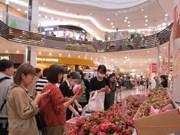 Presentan productos vietnamitas en supermercados de AEON en Japón