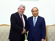Recibe primer ministro de Vietnam a dirigente legislativo de la República Checa