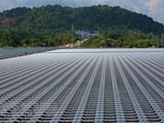 Inauguran planta de energía solar en Binh Thuan con inversiones de Reino Unido y EE.UU.