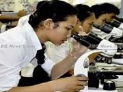 Concede Banco Asiático préstamo millonario a Camboya para mejorar competitividad laboral