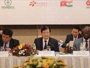 Proponen en Foro Empresarial de Vietnam medidas para desarrollo sostenible