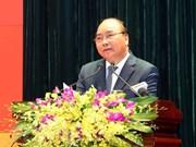 """Insta primer ministro vietnamita a mejorar """"cultura del servicio"""""""