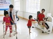 Apoya EE.UU. a Vietnam en atención a niños con parálisis cerebral