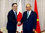 Primer ministro de Vietnam recibe a ejecutivos de grandes empresas japonesas